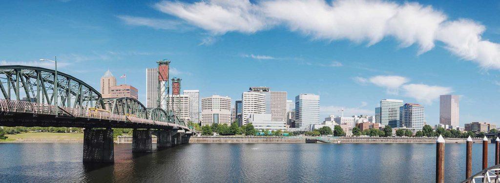 Best Podcasts for Entrepreneurs | Thrivetime Show - Portland Skyline