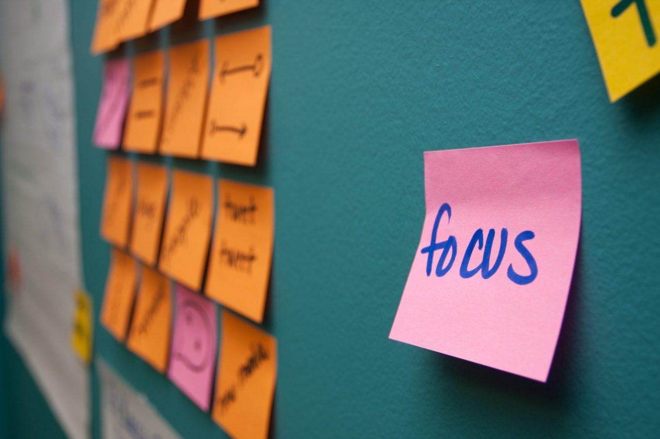 Best Business Coaching Programs | Focus Sticky Note